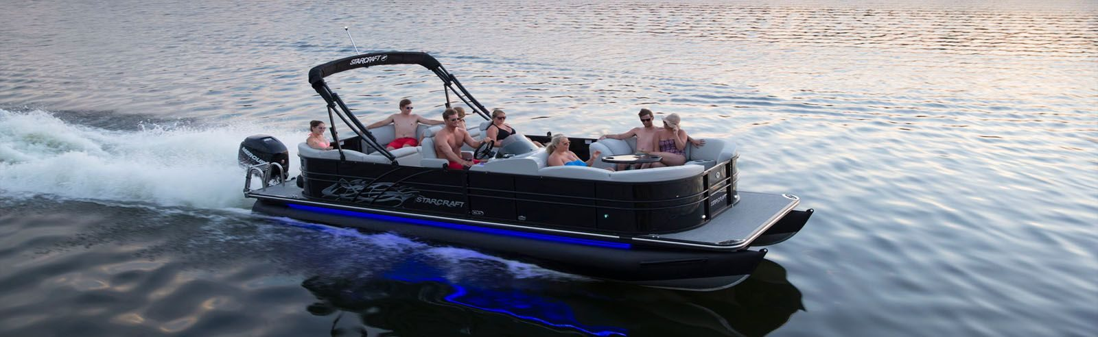 Starcraft SLS pontoon rental cruising